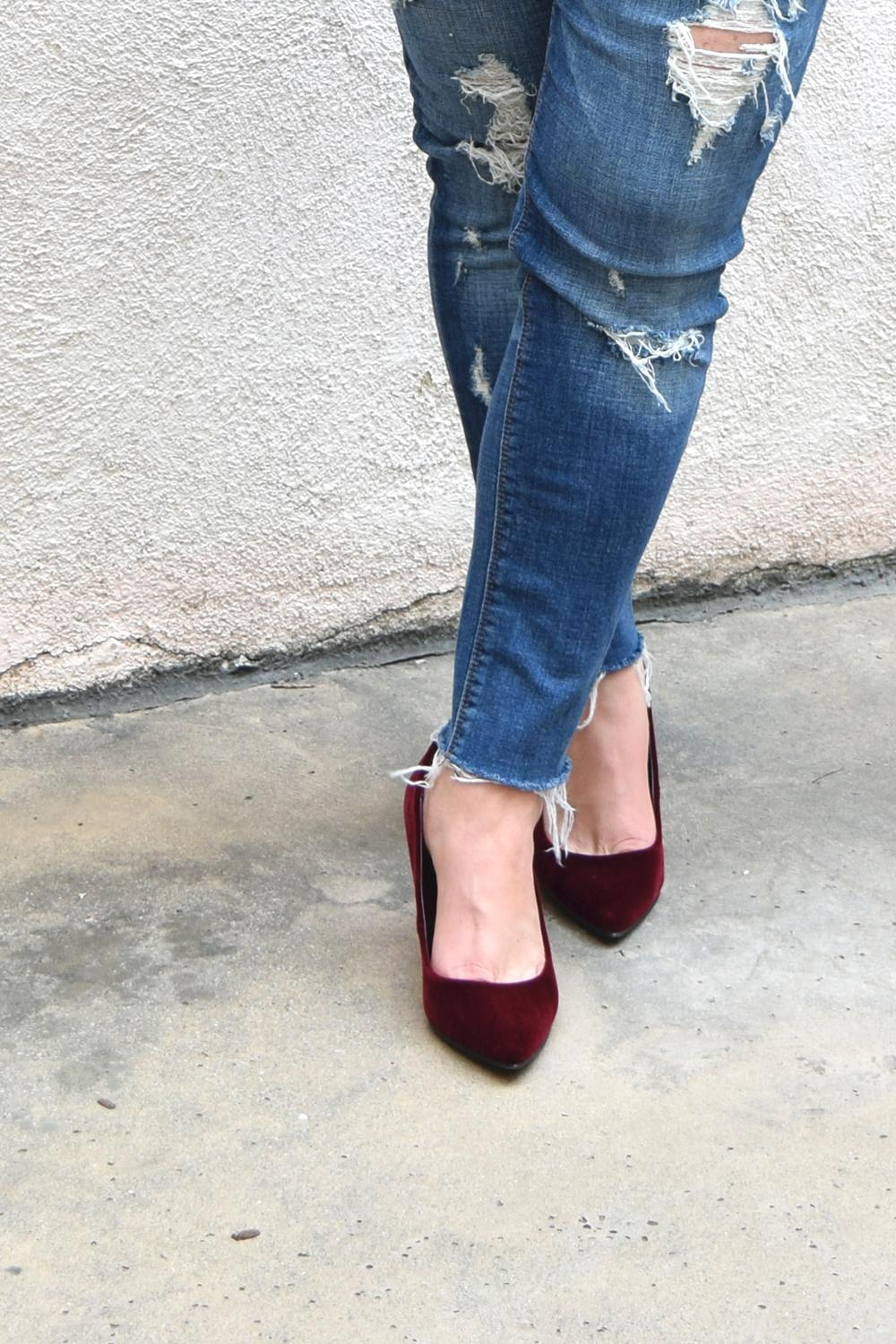 old-navy-velvet-pumps-for-women-outfit-barefoot-in-la-fashion-blog-style-ideas-0018