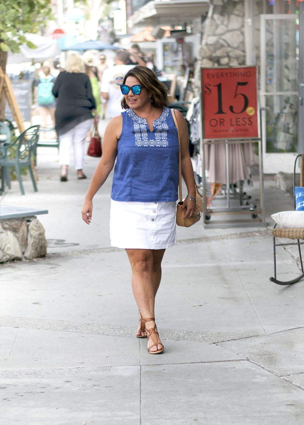 Casual Outfit Los Angeles Fashion Street Style Blogger Personal Stylist Old Navy Blue Embroidered Sleeveless Top 0504