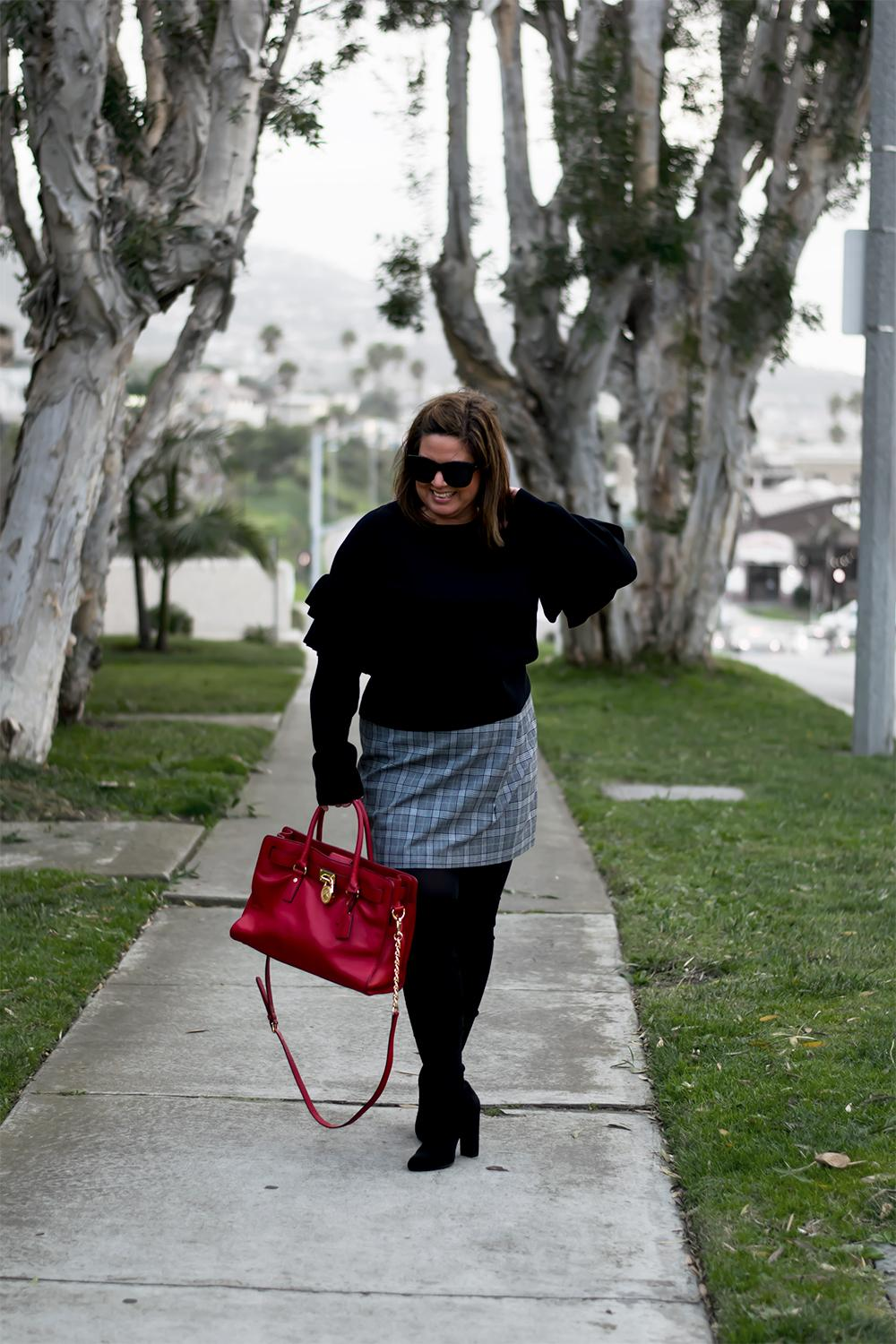 Minimalist-Black-and-White-Weekend-Outfit-The-Biggest-Trends-for-2017-Barefoot-in-LA-Fashion-Blog-Style-Ideas-0875
